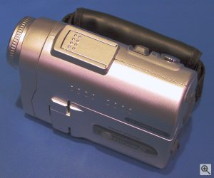 Polaroid's Cool-iCam emovie 2 digital camera. Copyright (c) 2003, Michael R. Tomkins. Click for a bigger picture!