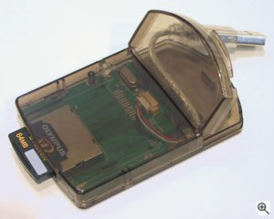 PQI's xD-Picture Card reader. Copyright (c) 2003, Michael R. Tomkins. All rights reserved.