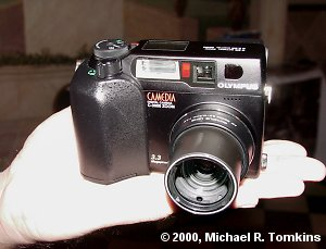 Olympus C-3030 Zoom Front View - click for a bigger picture!