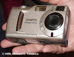 Minolta Dimage 2300 Front View - click for a bigger picture!