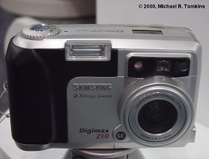 Samsung Digimax 210SE Front View - click for a bigger picture!