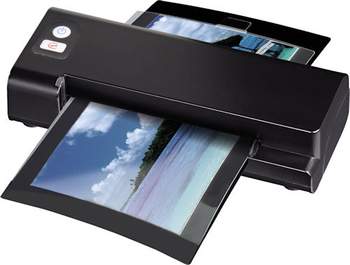 Hama's 95213 photo scanner. Photo provided by Hama GmbH & Co KG. Click for a bigger picture!
