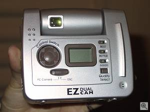 Ezonics EZ Dual Cam digital camera (rear view). Copyright (c) 2000, Michael R. Tomkins, all rights reserved. Click for a bigger picture!