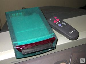 Photela's TV Slideshow set top box. Copyright (c) 2000, Michael R. Tomkins, all rights reserved. Click for a bigger picture!