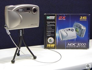 MDC-3000 digital camera. Copyright © 2001, Michael R. Tomkins. All rights reserved. Click for a bigger picture!