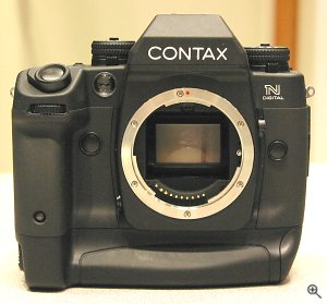 Contax's N Digital SLR digital camera. Copyright &copy 2002, Michael R. Tomkins, all rights reserved. Click for a bigger picture!