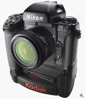 Kodak's DCS 720x professional digital SLR. Courtesy of Eastman Kodak Co. - click for a bigger picture!