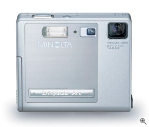 Minolta's DiMAGE Xi digital camera. Courtesy of Minolta, with modifications by Michael R. Tomkins. Click for bigger picture!