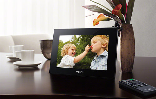 Sony's DPF-HD1000 digital photo frame with remote control. Photo provided by Sony Electronics Inc. Click for a bigger picture!