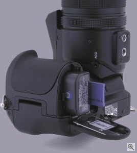 Sony's Cyber-shot DSC-F828 digital camera. Copyright ©2003, The Imaging Resource. All rights reserved. Click for a bigger picture!