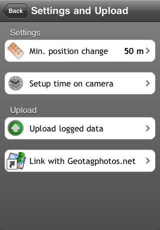 The Settings and Upload dialog in Geotag Photos 1.1. Screenshot provided by Sarsoft.