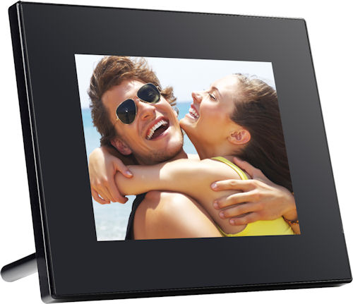 GiiNii GT-8DNM Tech 8-inch multimedia digital picture frame. Photo provided by GiiNii International. Click for a bigger picture!