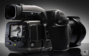 Hasselblad's H3D-31 digital SLR. Courtesy of Hasselblad, with modifications by Michael R. Tomkins. Click for a bigger picture!