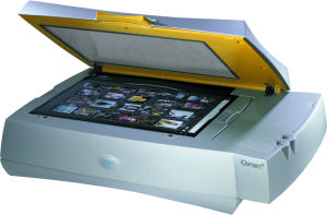 Creo's iQsmart1 flatbed scanner. Courtesy of Creo, with modifications by Michael R. Tomkins. Click for a bigger picture!