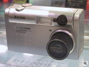 Konica's KD-200Z digital camera, front view. Copyright  (c) 2001, Michael R. Tomkins. All rights reserved. Click for a bigger picture!
