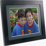 MediaStreet's 15-inch eMotion digital picture frame. Courtesy of MediaStreet, with modifications by Michael R. Tomkins.