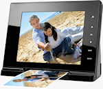 The ScanViewer multimedia digital picture frame with scanner in use. Photo provided by JOBO AG.