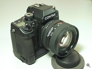 Contax's N Digital SLR digital camera. Copyright (c) 2001, Michael R. Tomkins, all rights reserved. Click for a bigger picture!