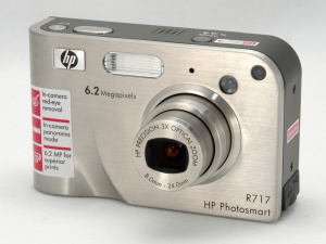 HP's Photosmart R717 digital camera. Copyright © 2005, The Imaging Resource. All rights reserved.