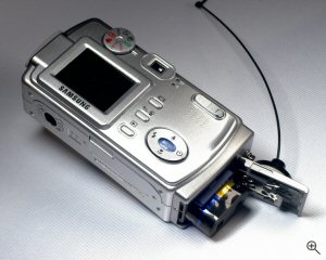 Samsung's Digimax 370 digital camera. Copyright © 2004, The Imaging Resource. All rights reserved. Click for a bigger picture!