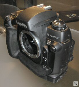 Fujifilm's FinePix S3 Pro digital SLR. Copyright © 2004, The Imaging Resource. All rights reserved. Click for a bigger picture!