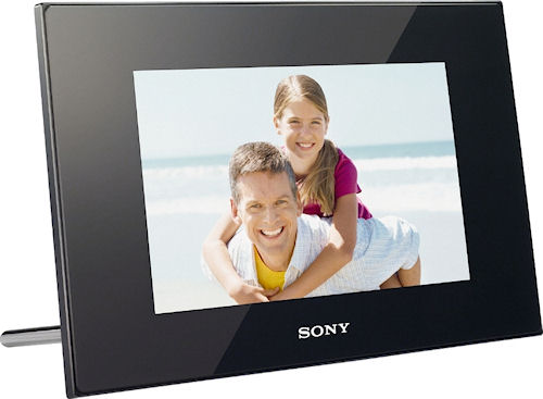 Sony's S-Frame DPF-D85 digital picture frame. Photo provided by Sony Europe (Belgium) N.V. Click for a bigger picture!