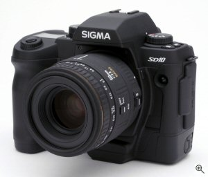 Sigma's SD10 digital camera. Copyright © 2003, The Imaging Resource. All rights reserved. Click for a bigger picture!