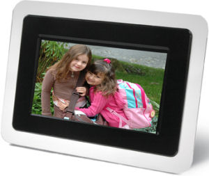 Smartparts' SPDPF70E digital picture frame. Courtesy of Smartparts Inc., with modifications by Michael R. Tomkins.