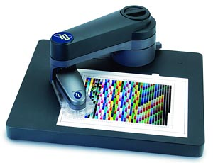 X-Rite i1-iO scanning table. Courtesy X-Right with modifications by Zig Weidelich.  Click here for a bigger picture!