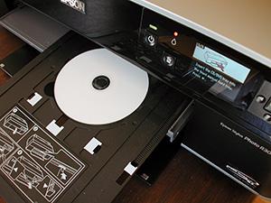 Máy in Epson T60 có thể in ảnh kên CD/DVD