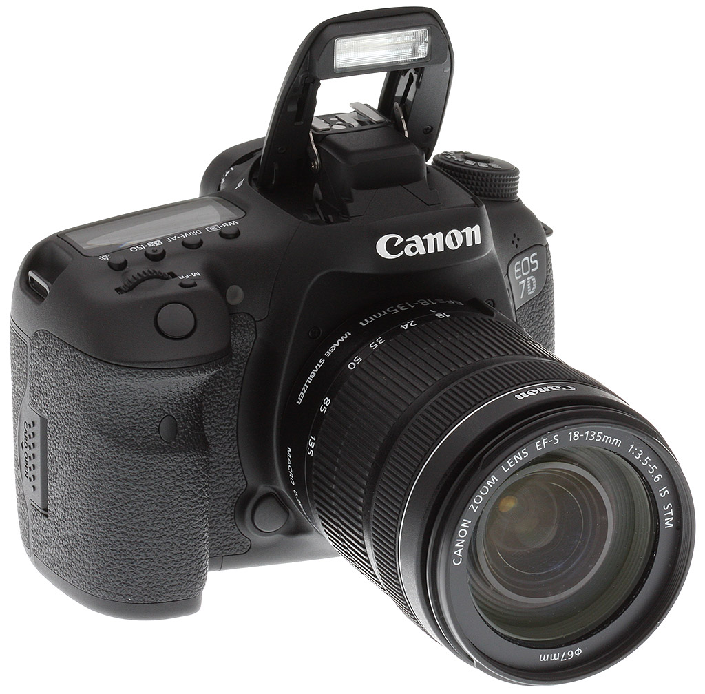 Canon 7d Mark Ii Review Eos 700d Kit 18 135mm F 35 56 Is Stm The Deep Contoured Handgrip Will Feel Very Familiar To Users Of And 5d Iii Covered In Canons Typical Rubberized Material For A Nice