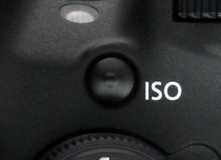 Canon T5i review -- ISO button