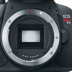 Canon T5i review -- Lens mount
