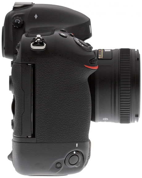 Nikon D4S Review -- Right side view