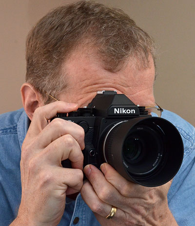 Nikon DF Review -- Dave Etchells checks out the pentaprism viewfinder