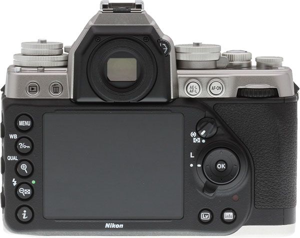 Nikon DF Review -- Back view