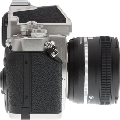 Nikon DF Review -- Right view