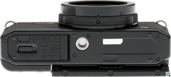 Pentax MX-1 Review --  Bottom