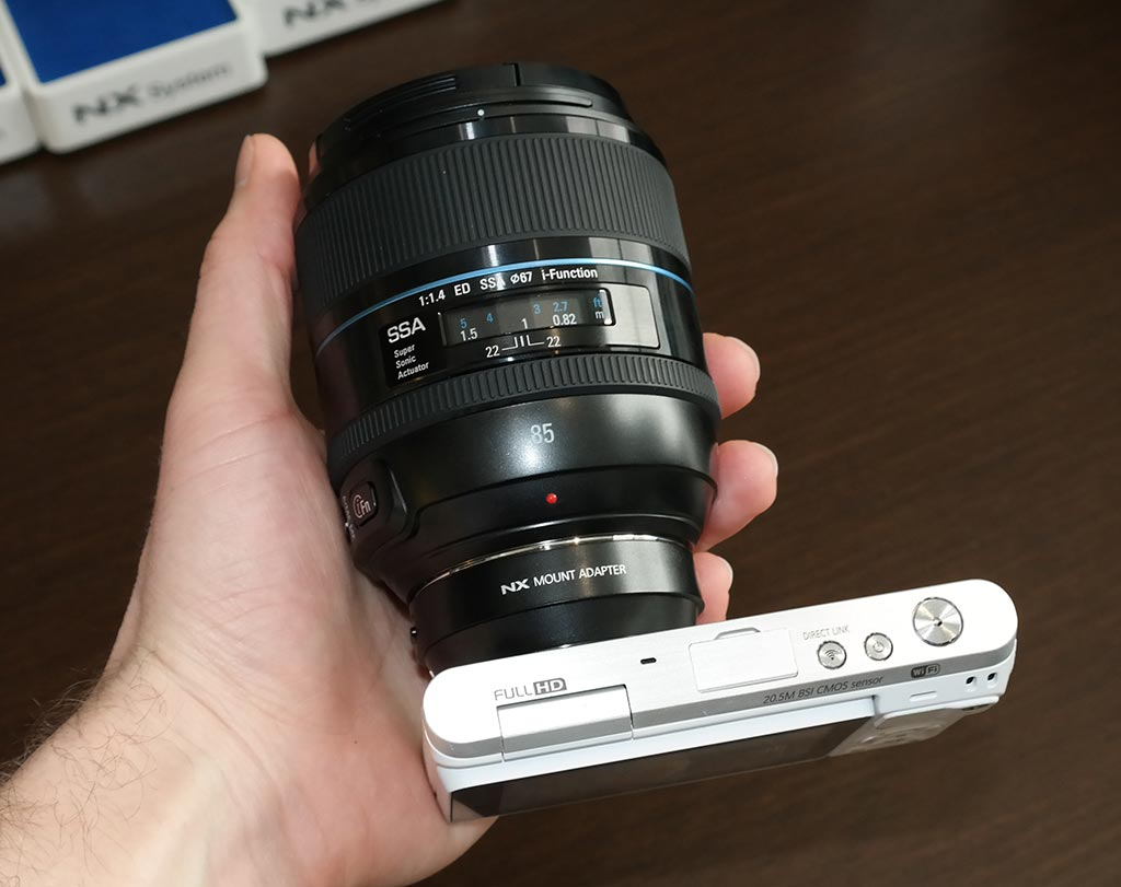 Samsung Nx Mini Review Canon Eos M6 Body Only Paket Of Course Given That This Is An Interchangeable Lens Camera When You Mount Larger Lenses With The Adapter It Can Be A Little Awkward To Hold