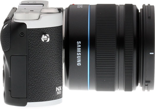 Samsung NX300 review -- Right view