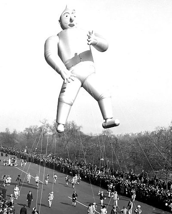 7 Photos Of Vintage Balloons From The Macys Thanksgiving Day Parade