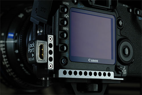 The Lockport Universal, attached to a Canon EOS 5D Mark II digital SLR. Photo provided by Lockcircle. Click for a bigger picture!