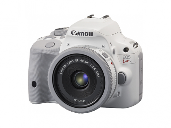 Fujifilm and Canon Japan unveil winter-themed white cameras
