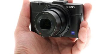 Sony RX100 II in the hand