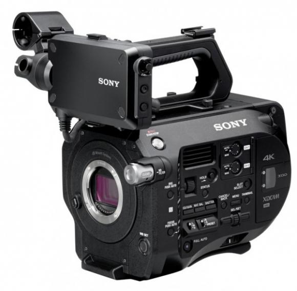Sony\'s new 28-135mm f/4 powerzoom lens is for full-frame E-mount ...
