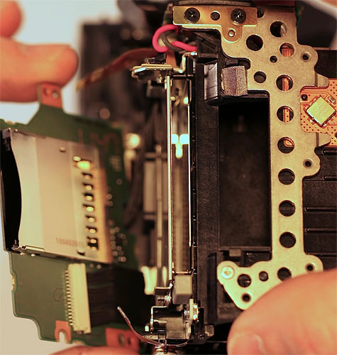 Canon EOS 5D Mark III teardown. Photo courtesy of Roger Cicala / LensRentals. Click for a bigger picture!