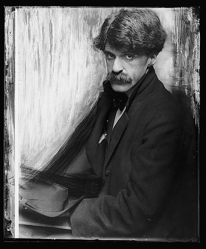 Gertrude also turned her lens on fellow photographers, including Alfred Stieglitz. Photo by Gertrude Käsebier, via the blog of Andrei Venghiac. Click for a bigger picture!