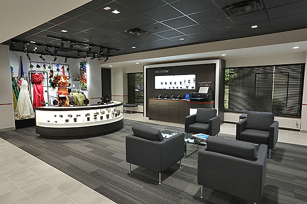 Canon unveils a new service and support center in Lyndhurst
