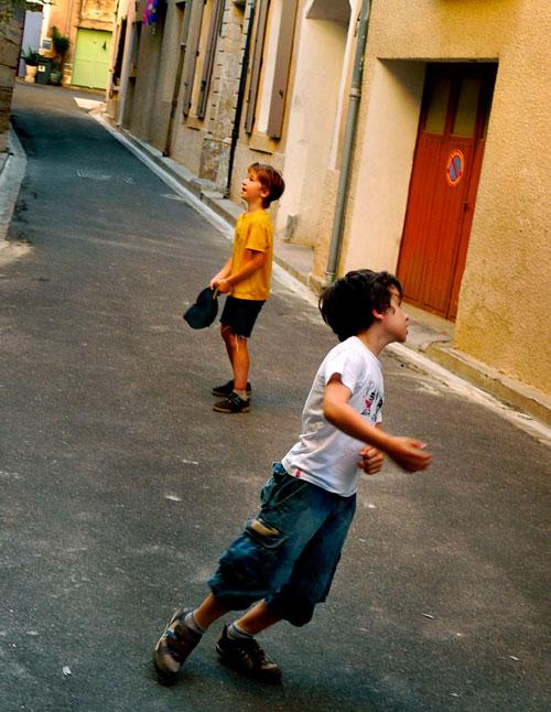 Travel-tips-village-kids