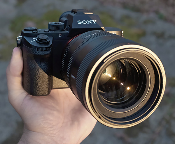 Sony 100mm f/2.8 STF - product shot